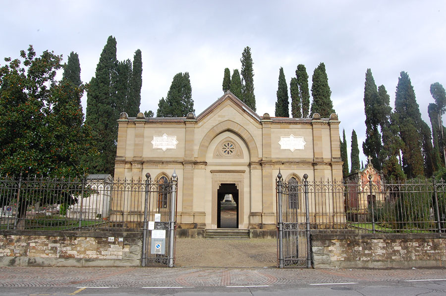 """Mostra fotografica """"Giardini di anime, diversità e patrimonio culturale"""" al cimitero degli Allori"""
